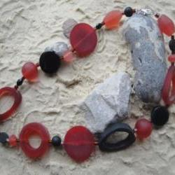 Red-Black Resin Necklace